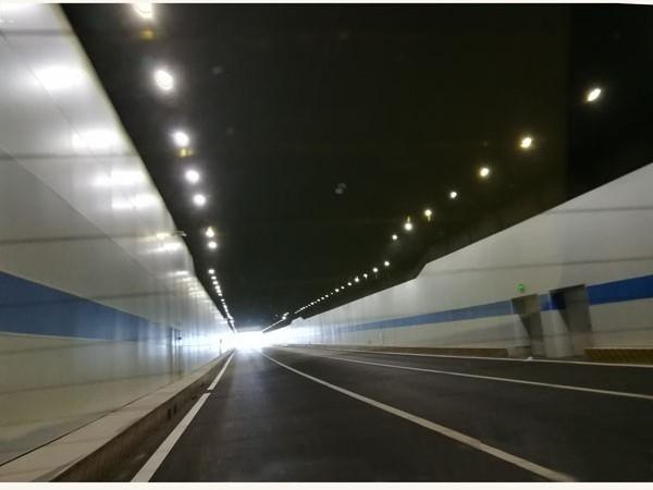 吉林长春东方广场下穿隧道--隧道装饰板项目