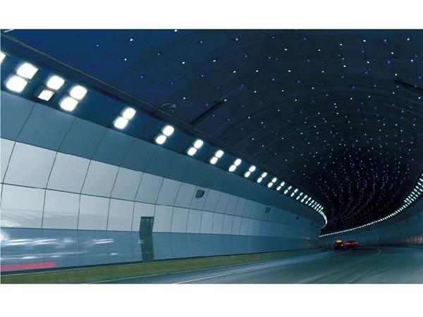 无机预涂隧道装饰板与钢钙板在隧道围壁中的应用