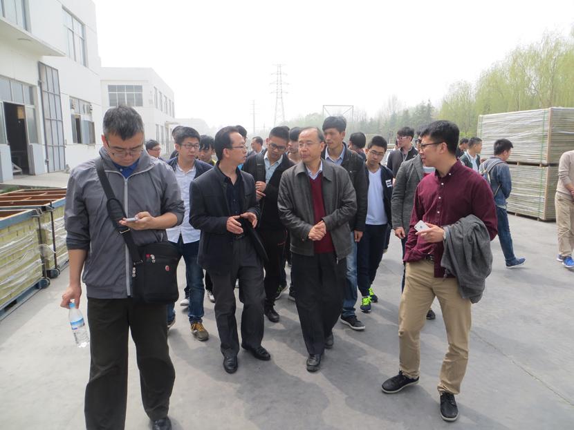 济南大学师生到公司参观学习